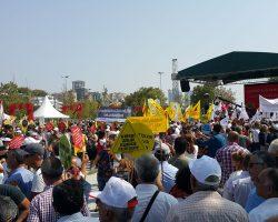 AKD Bursa Şubesi laik eğitim için yürüdü