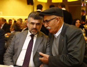 PSAKD Sultanbeyli Şube'den AKP'li belediye başkanına plaket